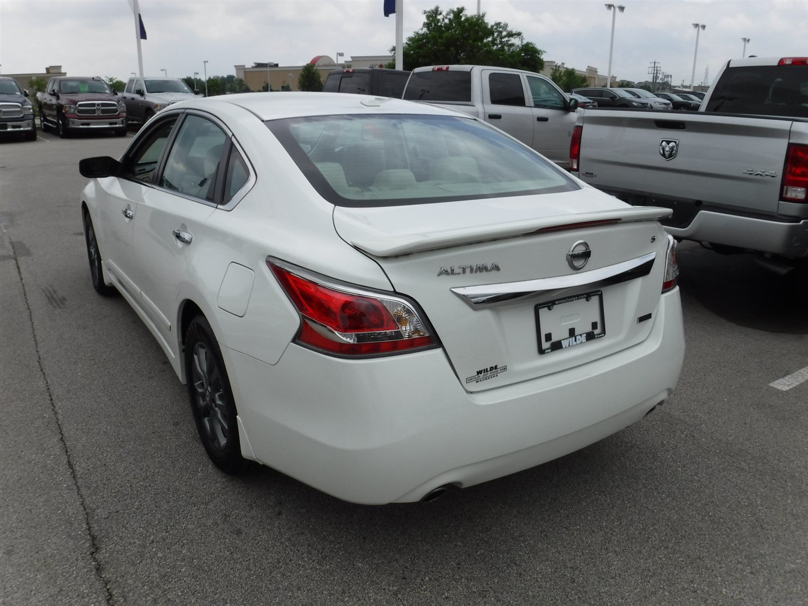 Pre Owned 2015 Nissan Altima 2 5 S Sedan in Waukesha X